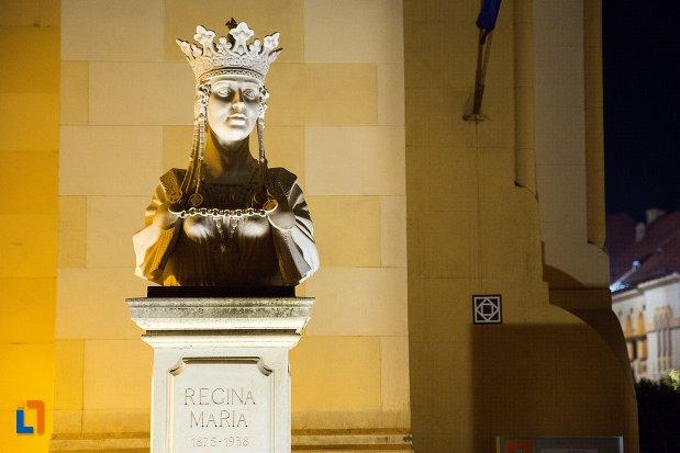 bustul-reginei-maria-din-alba-iulia-judetul-alba-noaptea.jpg