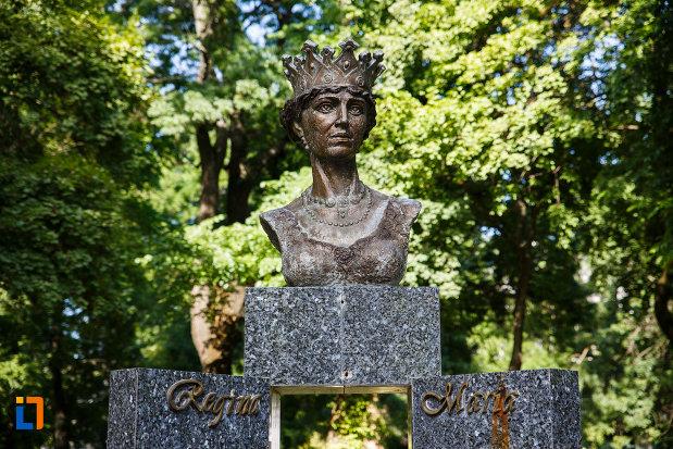 bustul-reginei-maria-din-timisoara-partea-de-sus.jpg