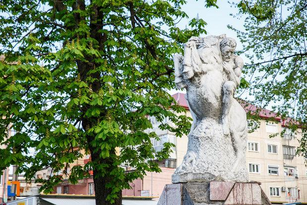 calaret-si-cal-de-la-monumentul-eroilor-din-sebes-judetul-alba.jpg