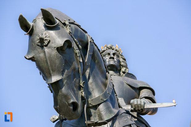 calul-de-la-statuia-lui-matei-corvin-din-cluj-napoca-judetul-cluj.jpg