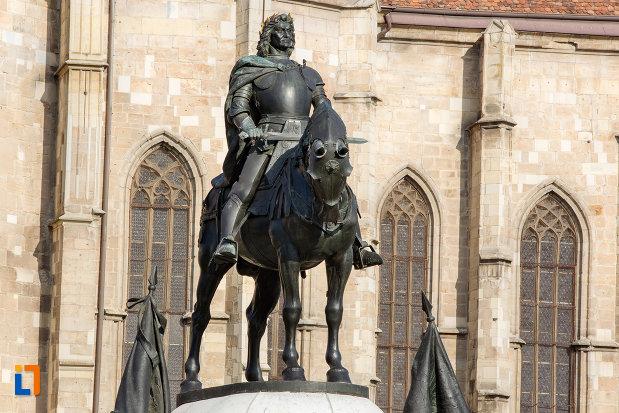calul-si-matei-corvin-statuia-lui-matei-corvin-din-cluj-napoca-judetul-cluj.jpg