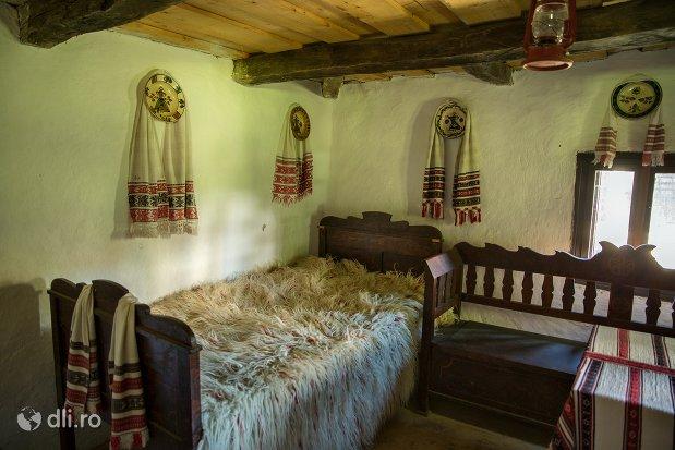 camera-oseneasca-muzeul-satului-osenesc-din-negresti-oas-judetul-satu-mare.jpg