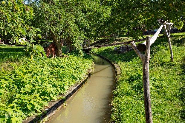 canal-de-apa-muzeul-satului-osenesc-din-negresti-oas-judetul-satu-mare.jpg
