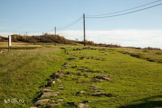 canal-pietruit-din-orasul-porolissum-din-moigrad-judetul-salaj.jpg