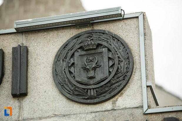 cap-de-bour-mausoleul-eroilor-din-1916-1919-de-la-marasesti-judetul-vrancea.jpg