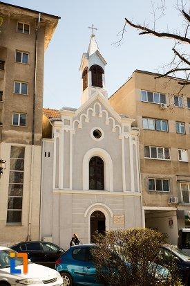 capela-romano-catolica-din-alba-iulia-judetul-alba.jpg