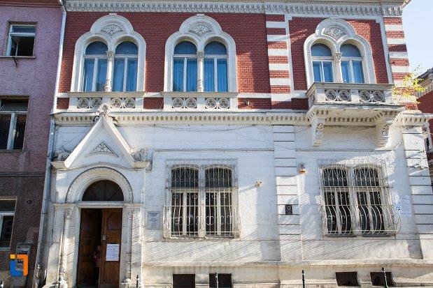 casa-azi-birouri-ale-comunitatii-evreiesti-din-brasov-judetul-brasov.jpg