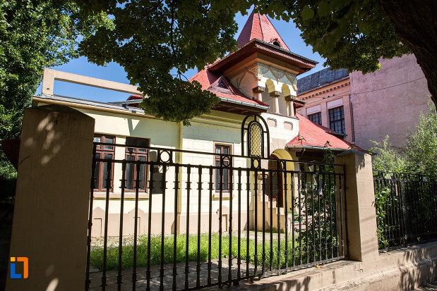 casa-barbulescu-din-oltenita-judetul-calarasi.jpg