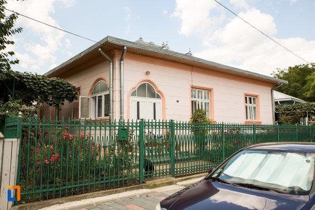 casa-cneazului-moruz-din-dorohoi-judetul-botosani.jpg