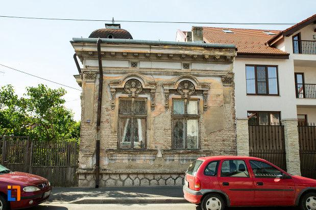 casa-coravu-violeta-din-drobeta-turnu-severin-judetul-mehedinti-monument-de-arhitectura.jpg