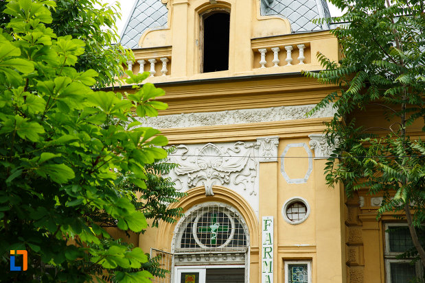 casa-cristof-gabaret-tanasescu-1880-din-focsani-judetul-vrancea-cateva-detalii-arhitecturale.jpg