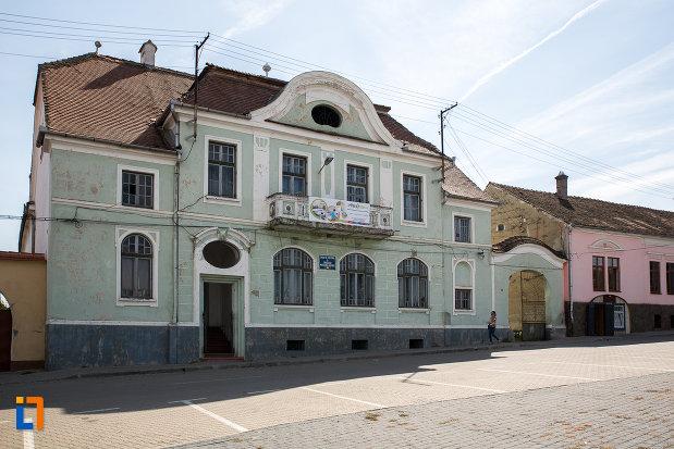casa-de-cultura-din-miercurea-sibiului-judetul-sibiu-monument-arhitectonic.jpg