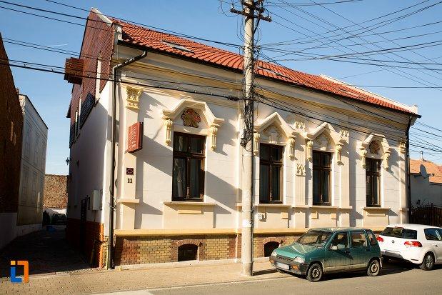 casa-de-la-nr-11-ansamblul-urban-str-primaverii-din-alba-iulia-judetul-alba.jpg
