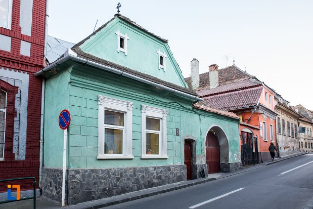 casa-de-pe-str-constantin-brancoveanu-nr-35-din-brasov-judetul-brasov.jpg