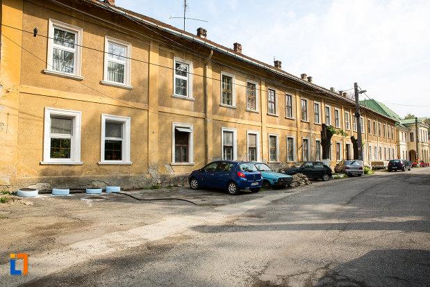 casa-de-pe-str-m-eminescu-nr-8-din-oravita-judetul-caras-severin-vazuta-din-lateral.jpg