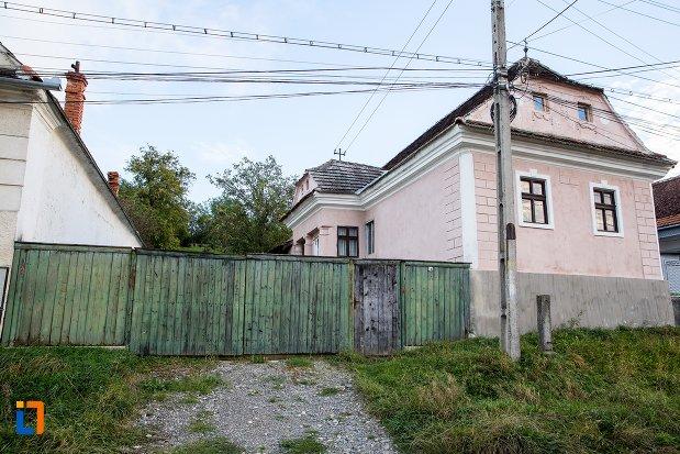 casa-de-pe-str-victor-jinga-nr-14-din-sacele-judetul-brasov.jpg