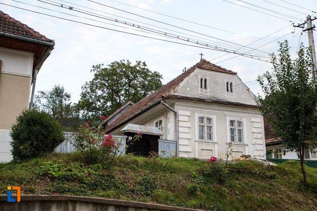 casa-de-pe-str-victor-jinga-nr-4-din-sacele-judetul-brasov.jpg