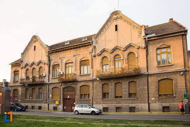casa-din-anul-1906-monument-istoric-din-arad-judetul-arad.jpg