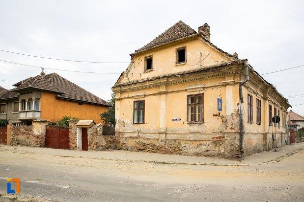 casa-din-str-nicolae-balcescu-nr-53-din-fagaras-judetul-brasov.jpg