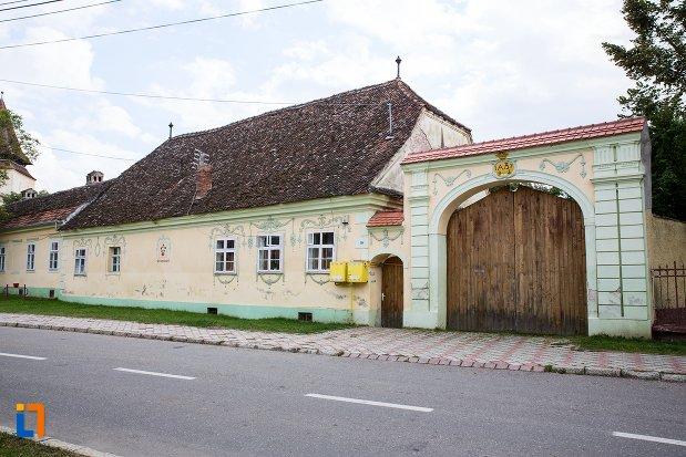 casa-din-str-scolii-nr-259-din-ghimbav-judetul-brasov.jpg