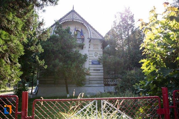 casa-dr-capsa-azi-gradinita-din-botosani-judetul-botosani.jpg