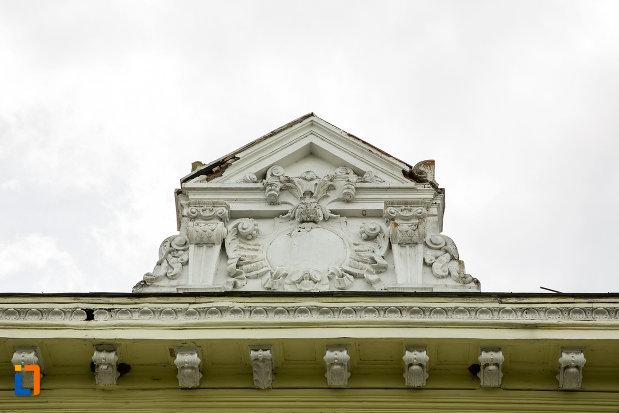 casa-elevilor-din-caracal-judetul-olt-detaliile-acoperisului.jpg
