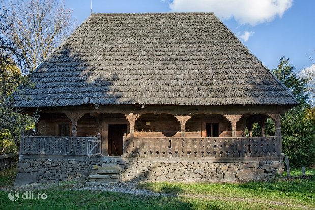 casa-ilea-muzeul-satului-din-sighetu-marmatiei-judetul-maramures.jpg