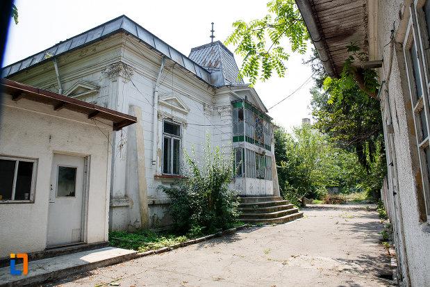 casa-ionel-anastasescu-din-rosiorii-de-vede-judetul-teleorman.jpg