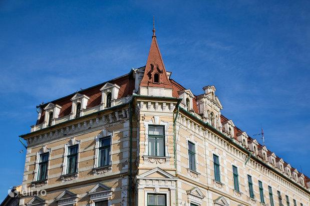 casa-levay-din-oradea-judetul-bihor-imagine-apropiata.jpg