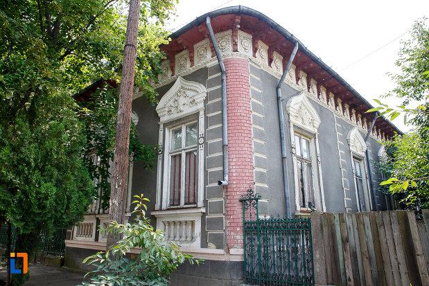 casa-mamut-1899-din-rosiorii-de-vede-judetul-teleorman.jpg