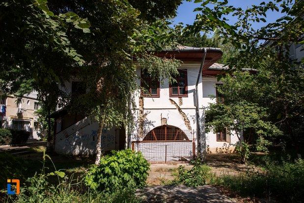 casa-manolache-iorga-din-botosani-judetul-botosani.jpg