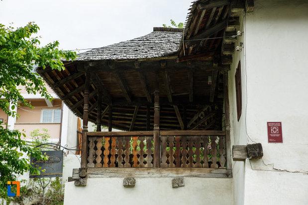 casa-memoriala-anton-pann-din-ramnicu-valcea-judetul-valcea-vazuta-din-lateral.jpg