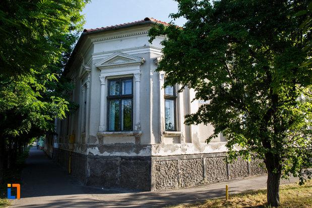 casa-memoriala-dr-karl-diel-din-jimbolia-judetul-timis-vazuta-din-colt.jpg