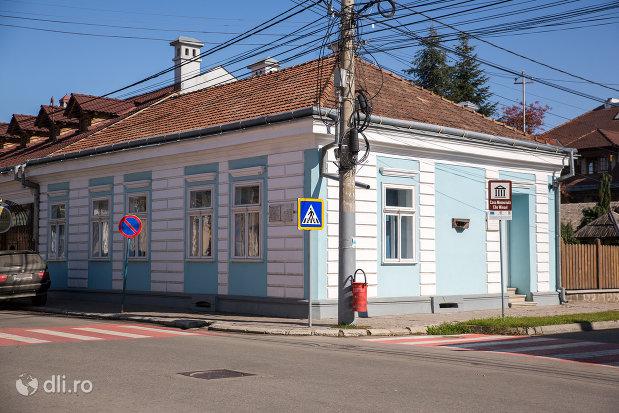 casa-memoriala-elie-wiesel-din-sighetu-marmatiei-judetul-maramures.jpg