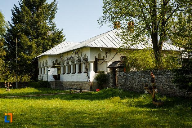 casa-memoriala-i-g-duca-din-maldarasti-judetul-valcea.jpg