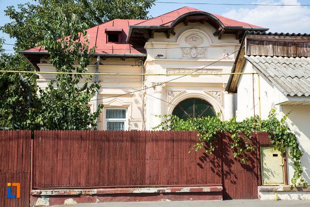 casa-mihai-hovaghinian-din-urziceni-judetul-ialomita.jpg
