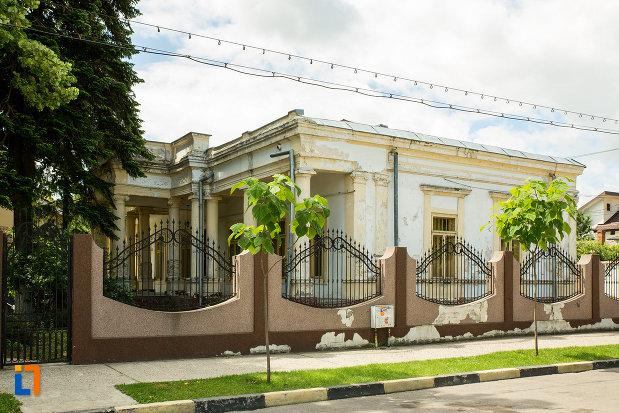casa-monument-istoric-de-pe-str-elena-doamna-din-tecuci-judetul-galati.jpg