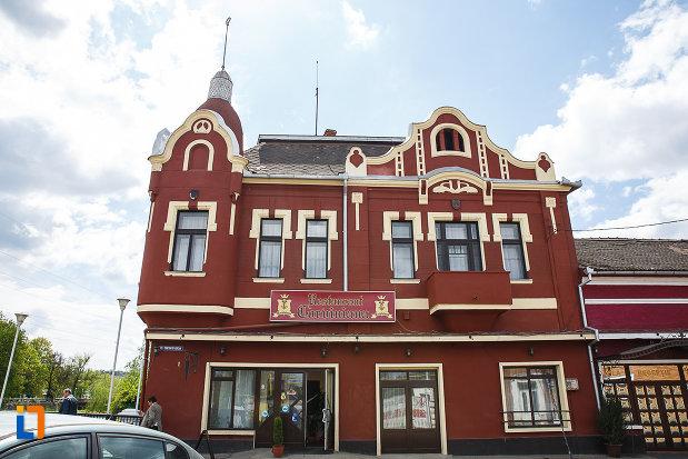 casa-monument-istoric-str-bursan-constantin-din-hunedoara-judetul-hunedoara-imagine-cu-una-dintre-fatade.jpg
