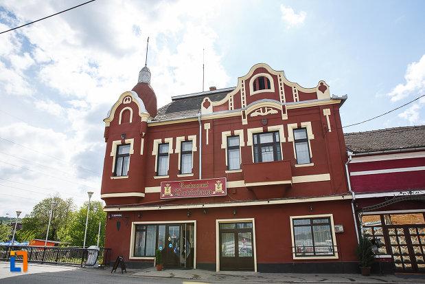 casa-monument-istoric-str-bursan-constantin-din-hunedoara-judetul-hunedoara-un-monument-de-arhitectura.jpg