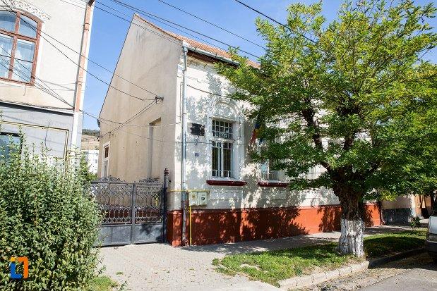casa-nicolae-filipescu-azi-parohia-ortodoxa-din-rupea-judetul-brasov.jpg