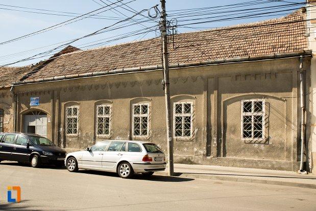 casa-nr-11-ansamblul-urban-str-teilor-din-alba-iulia-judetul-alba.jpg