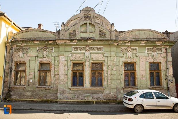 casa-nr-22-ansamblul-urban-str-primaverii-din-alba-iulia-judetul-alba.jpg