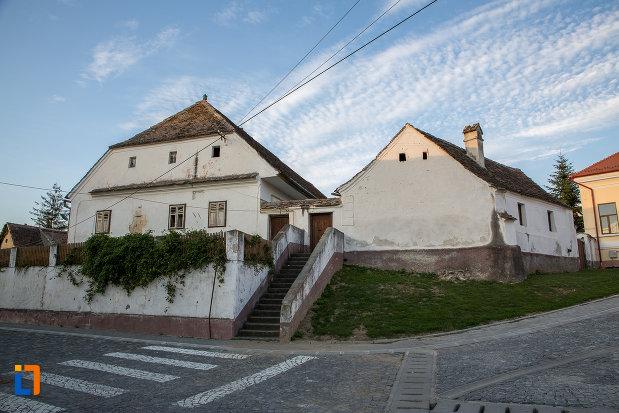 casa-parohiala-evanghelica-1719-din-talmaciu-judetul-sibiu.jpg