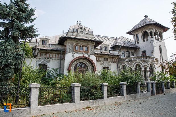 casa-radu-stanian-ulterior-casa-n-constantinescu-bordeni-1850-din-ploiesti-judetul-prahova.jpg