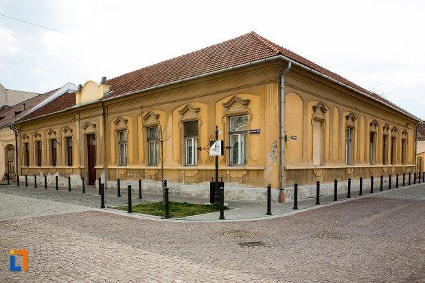 casa-str-mitropolit-andrei-saguna-nr-9-din-alba-iulia-judetul-alba.jpg