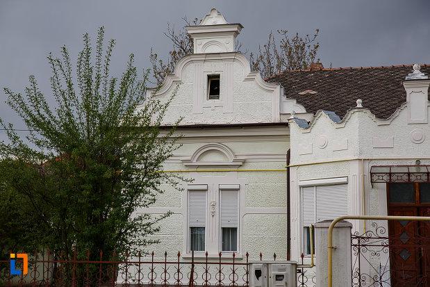 casa-strada-horea-nr-18-din-hateg-judetul-hunedoara-partea-stanga.jpg