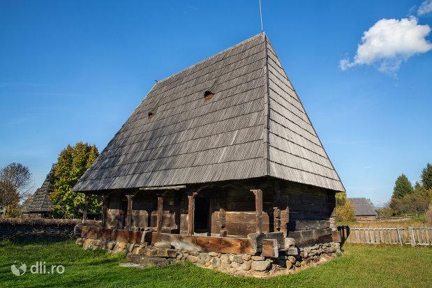 casa-tiplea-muzeul-satului-din-sighetu-marmatiei-judetul-maramures.jpg