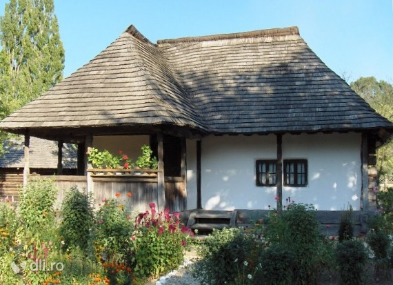 casa-traditionala-romaneasca.jpg