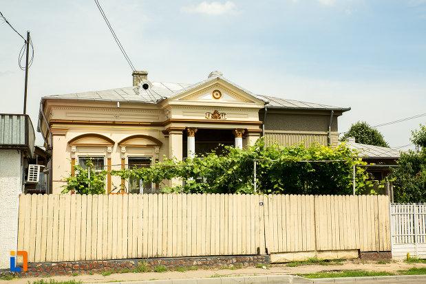 casa-zamfir-1897-din-ramnicu-sarat-judetul-buzau.jpg