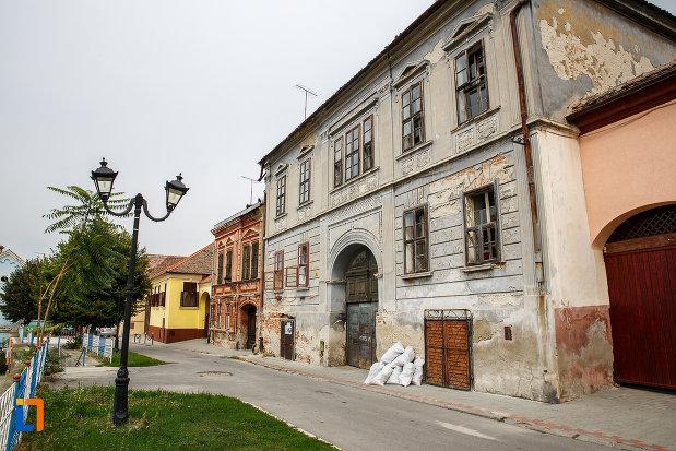 casa-zoppelt-1860-din-medias-judetul-sibiu-vazuta-din-lateral.jpg